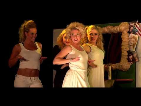 Met trots presenteren wij de trailer van onze musical: Legally Blonde! Bedankt A…